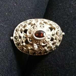 Beautiful Sterling Silver Ring with Garnet